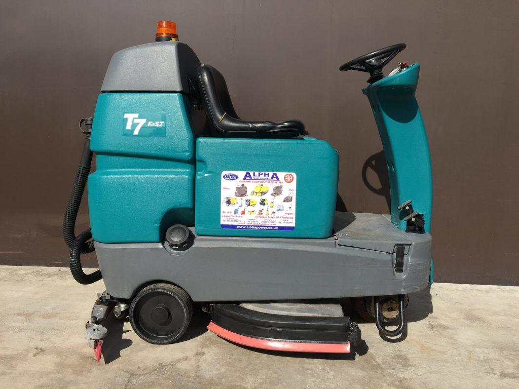 Ex Hire Tennant T7 Battery Ride On Floor Scrubber Dryer