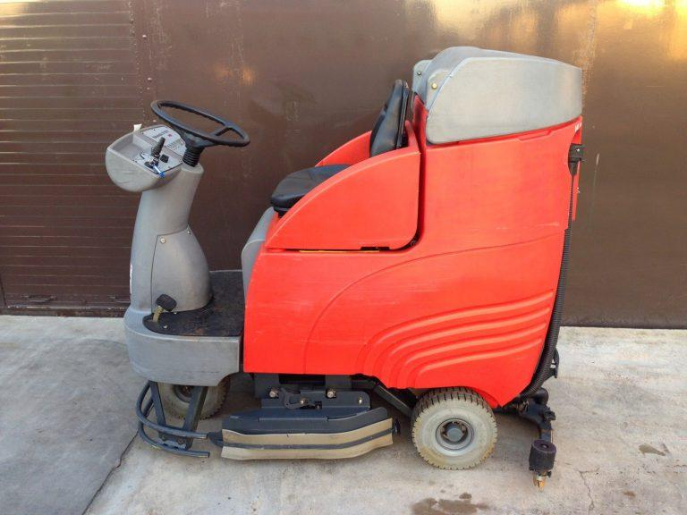 Ex-Hire Hako B750 R (Battery) Ride on Floor Scrubber Dryer