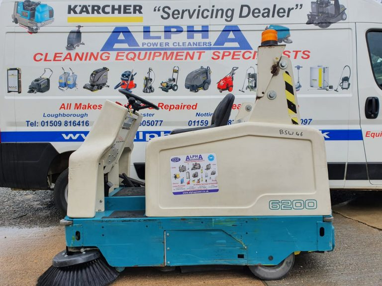 Ex-Hire Tennant 6200 (Battery) Ride on Floor Sweeper