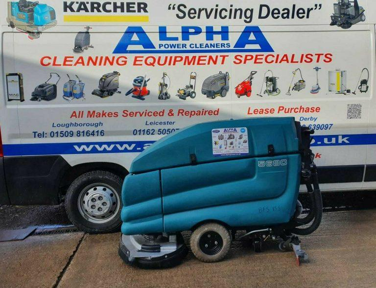 Ex-hire Tennant 5680 Floor Scrubber Dryer